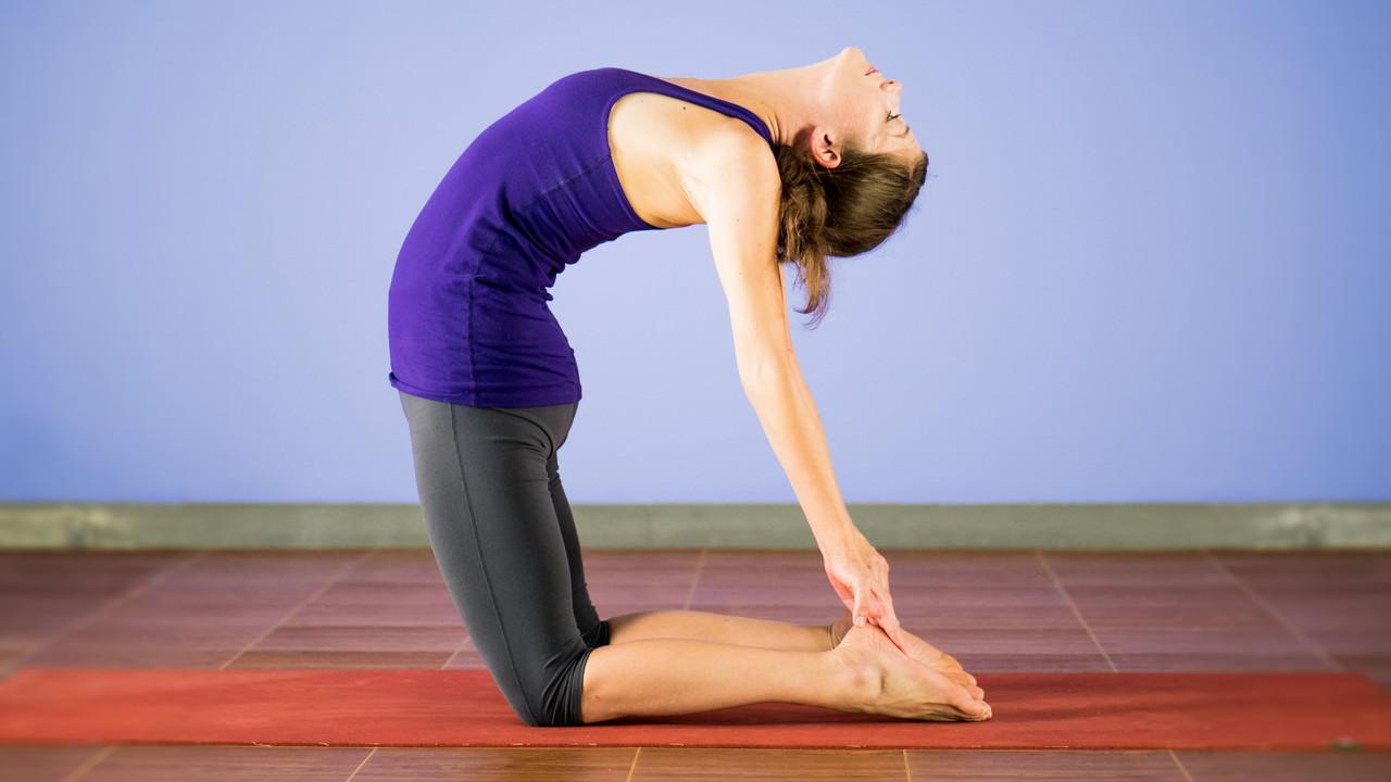 Balanced 20 Minute Vinyasa Flow Yoga Videos Grokker